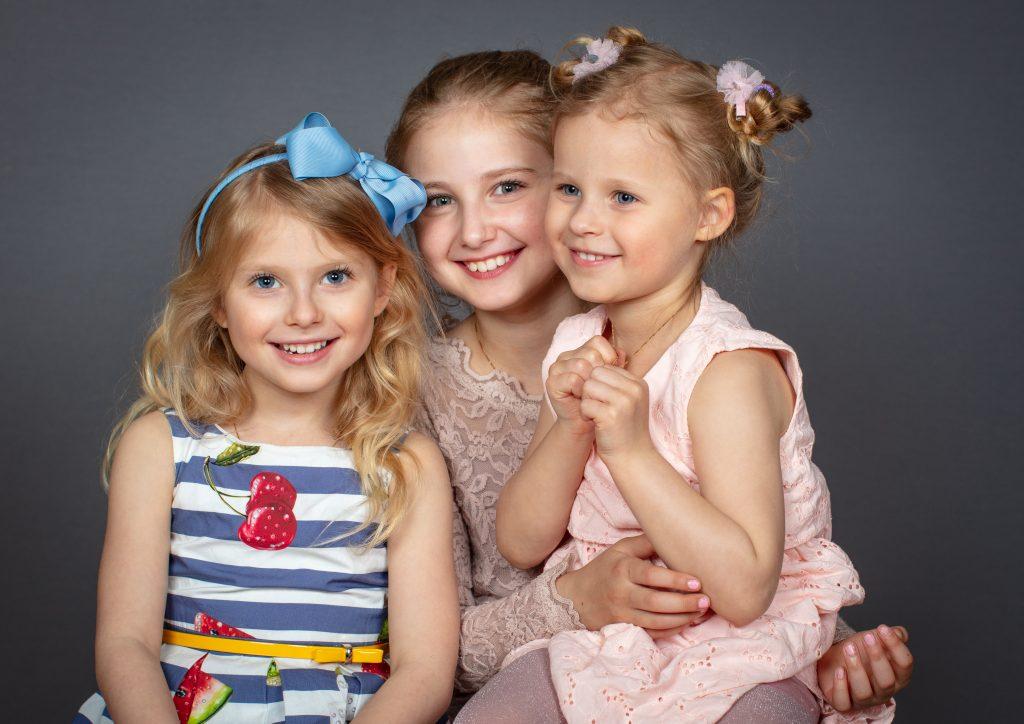Flickorna